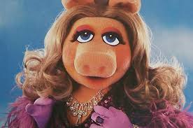 4. miss piggy 12 Of Your Favourite Muppets
