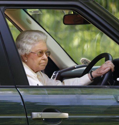 6 c e1574845717723 20 Bizarre Royal Family Rules You Won't Believe