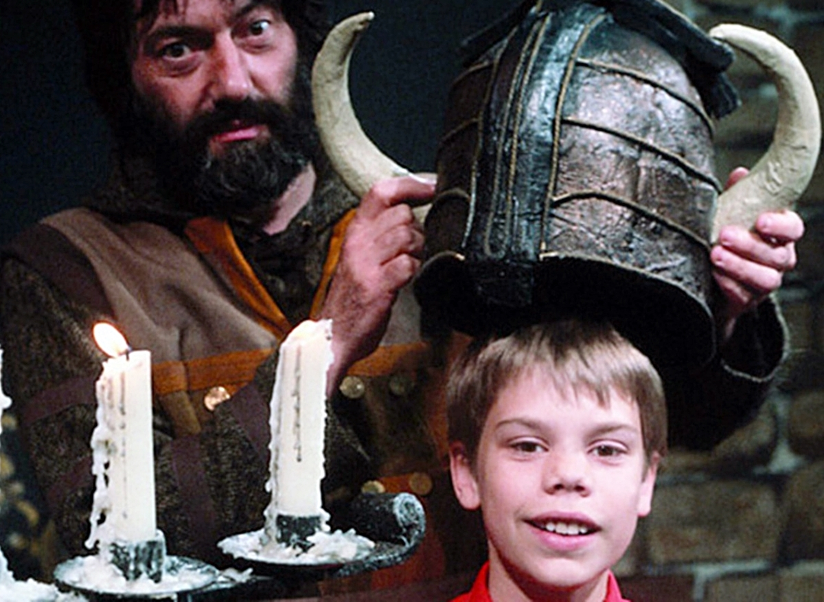 INTRO 5 12 Fascinating Facts About Knightmare