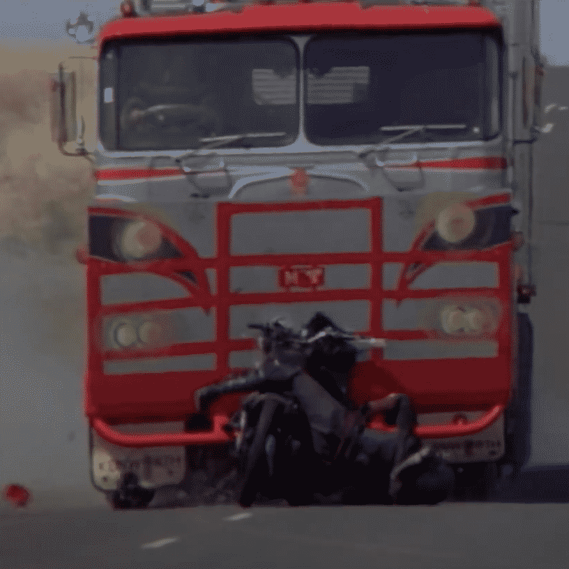 Screenshot 2019 11 13 at 11.06.31 e1573643246323 Illegal Stunts And Extras Paid In Beer: How They Made 1979's Mad Max
