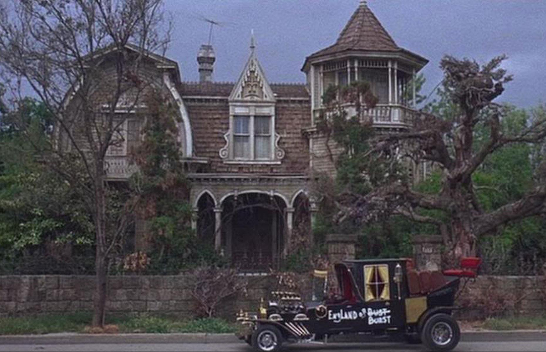 c014d787 fbc0 43bb aab7 c2d903803db0 Courtesy Zombiehorror01 scr 10 Fun Facts You Never Knew About The 'Burbs