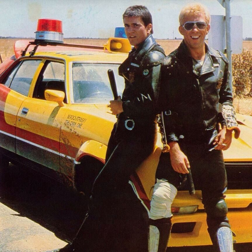 def73a5469b3356d584c6a2dd13d4819 e1573654834591 Illegal Stunts And Extras Paid In Beer: How They Made 1979's Mad Max
