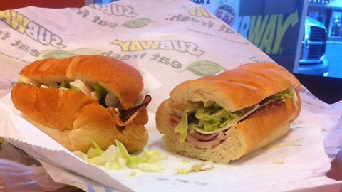 ey3fNfl 15 Essential Fast Food Hacks To Beat The Establishment