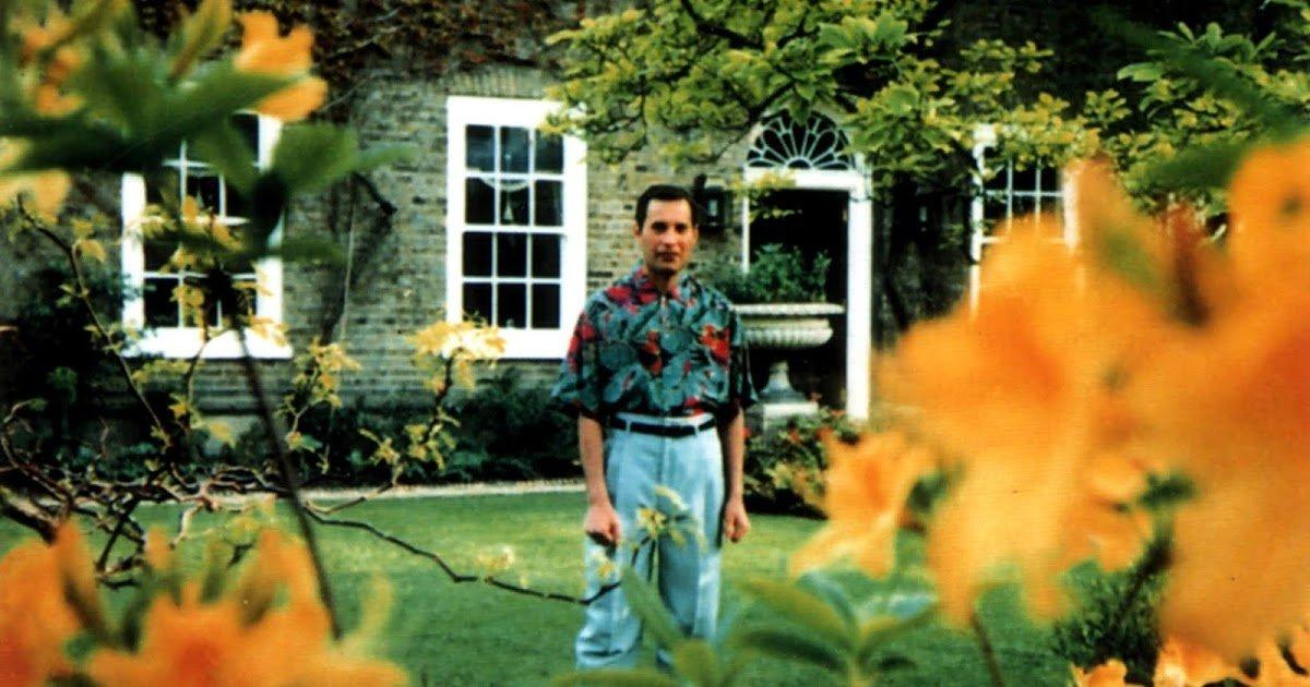 freddie mercury last photos 1 30 Things You Didn't Know About Freddie Mercury
