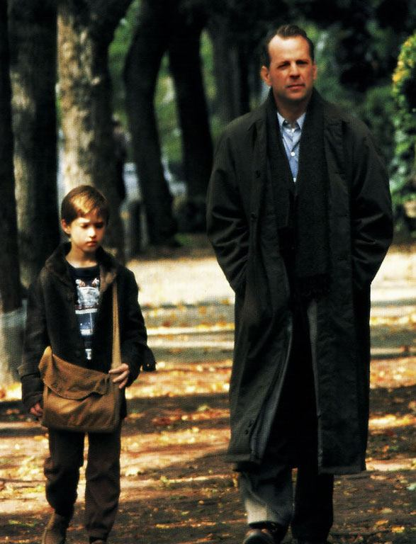 Bruce Willis as Malcolm Crowe, Haley Joel Osment as Cole Sear in The Sixth Sense