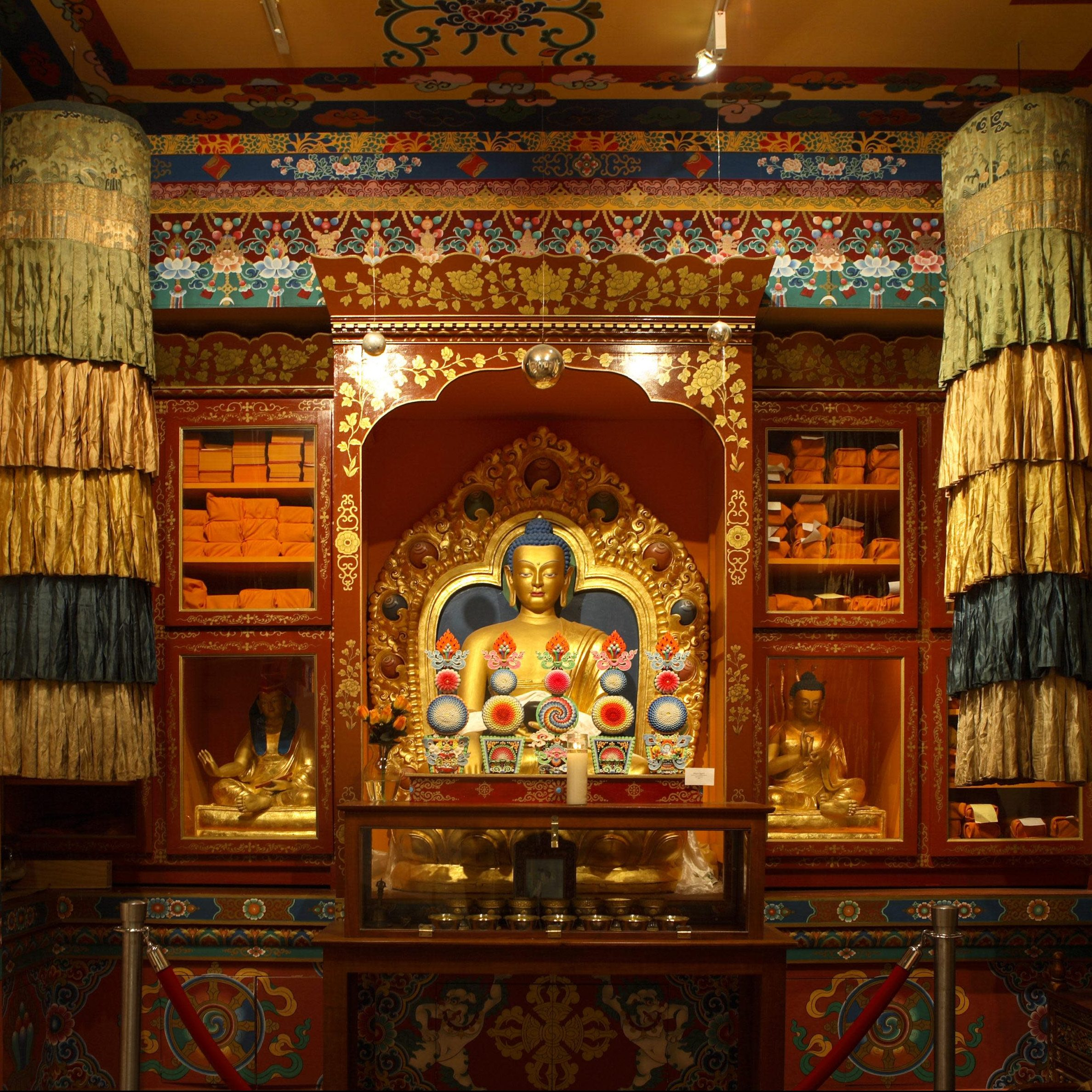 tibet house francine daveta 178 ad16e752 db5d ba4d 7bb354ffaaac18be scaled e1601649616580 20 Things You Didn't Know About Richard Gere