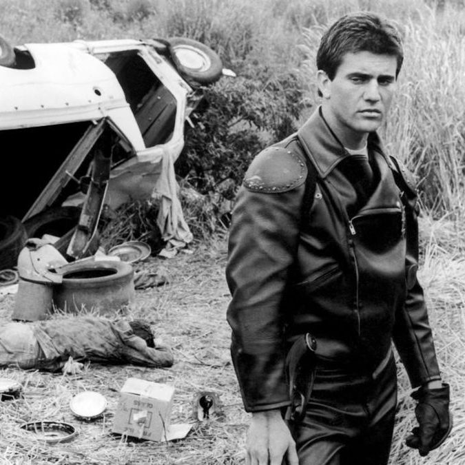 yaps1kzbHVxTpCmuMgWm8zaTdnN 1200 1200 675 675 crop 000000 e1573642997438 Illegal Stunts And Extras Paid In Beer: How They Made 1979's Mad Max