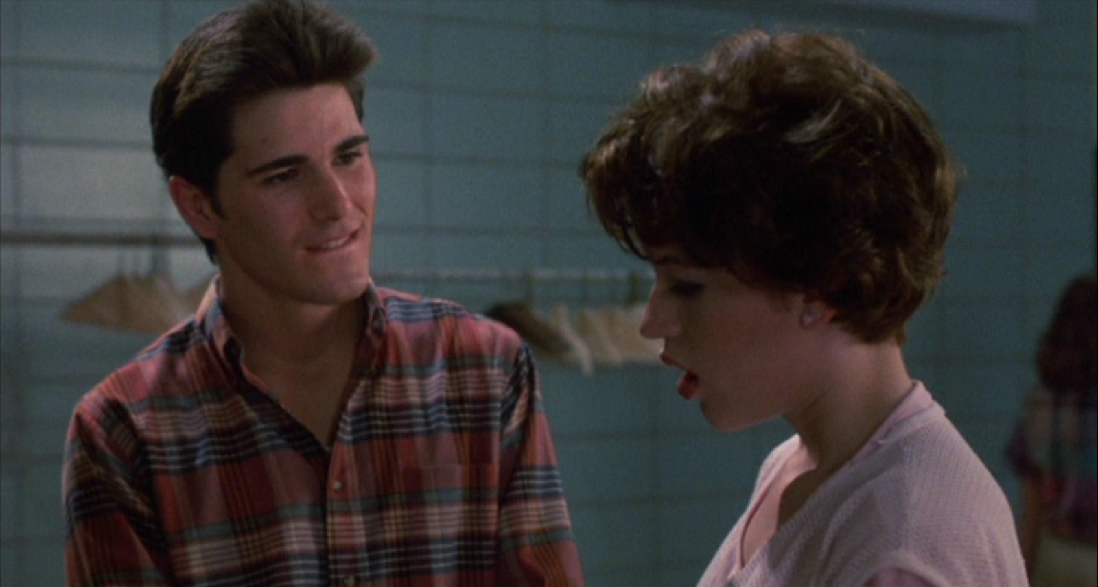 11b e1608213602838 20 Facts About Sixteen Candles That Really Take The Cake