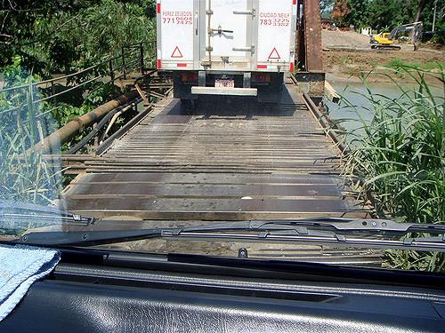 567041659 e10709b6ab z 10 Of The World's Most Dangerous Bridges