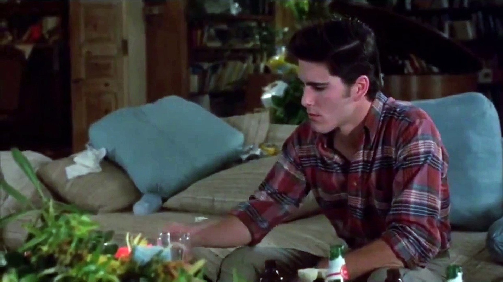 7c 20 Facts About Sixteen Candles That Really Take The Cake