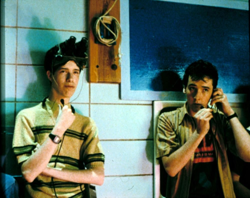 8c 20 Facts About Sixteen Candles That Really Take The Cake
