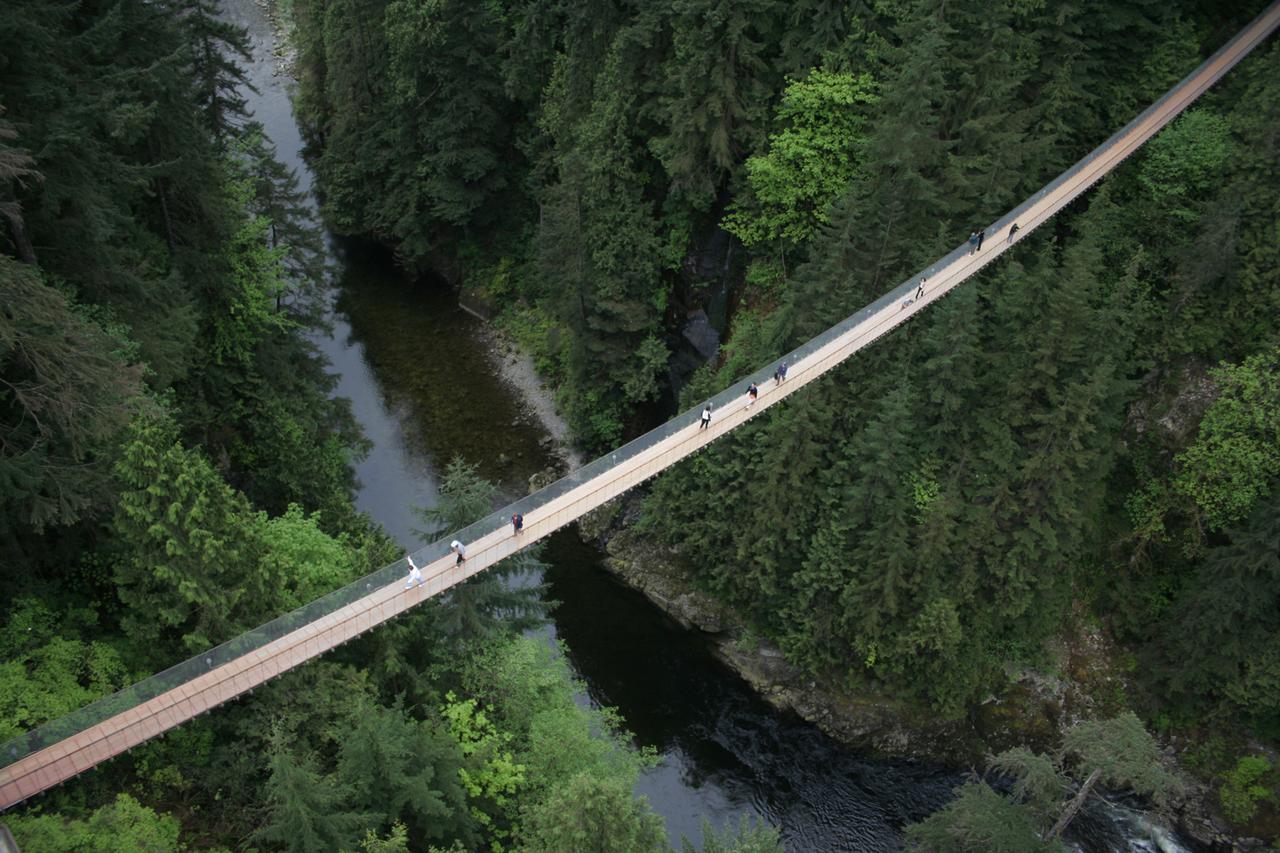 Bridge Wide Shot0 b81ea597 5056 b3a8 490ef5de9a48ac19 10 Of The World's Most Dangerous Bridges