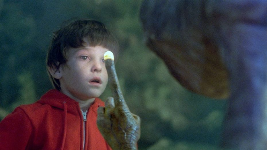 """Henry Thomas ET Remember Young Josh From """"Big""""? Check Him Out Nowadays!"""