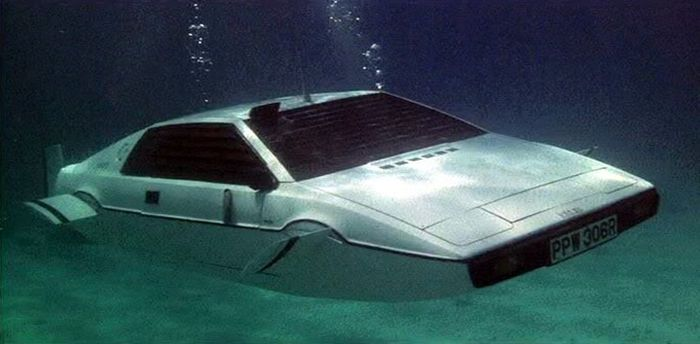 LotusEsprit 01 700 10 Things You Didn't Know About Elon Musk