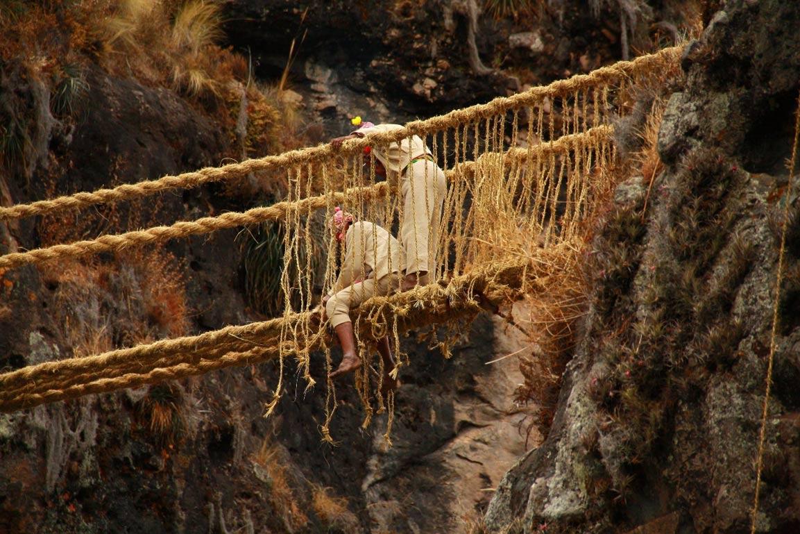 Peruvian Rope Bridge 10 Of The World's Most Dangerous Bridges