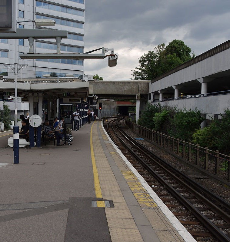 1200px Gunnersbury station MMB 03 The 20 Worst Tube Stations In London