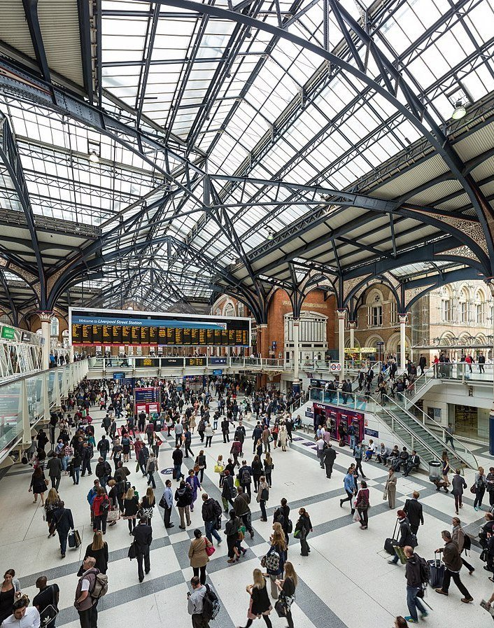 1200px Liverpool Street Station Concourse London UK Diliff The 20 Worst Tube Stations In London