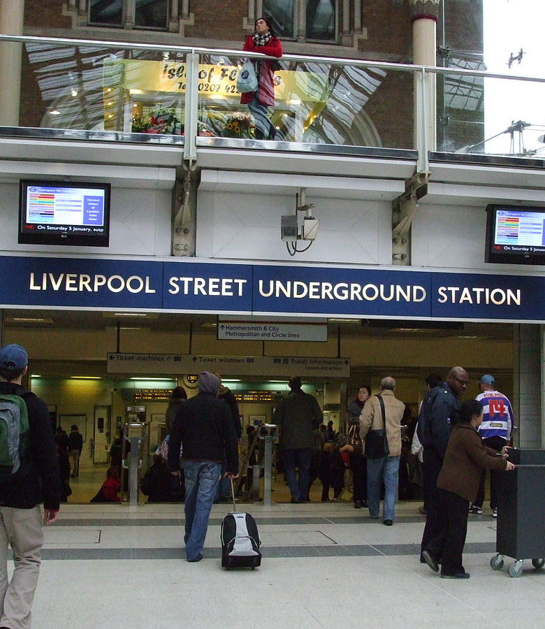 1200px Liverpool Street Underground concourse entr The 20 Worst Tube Stations In London