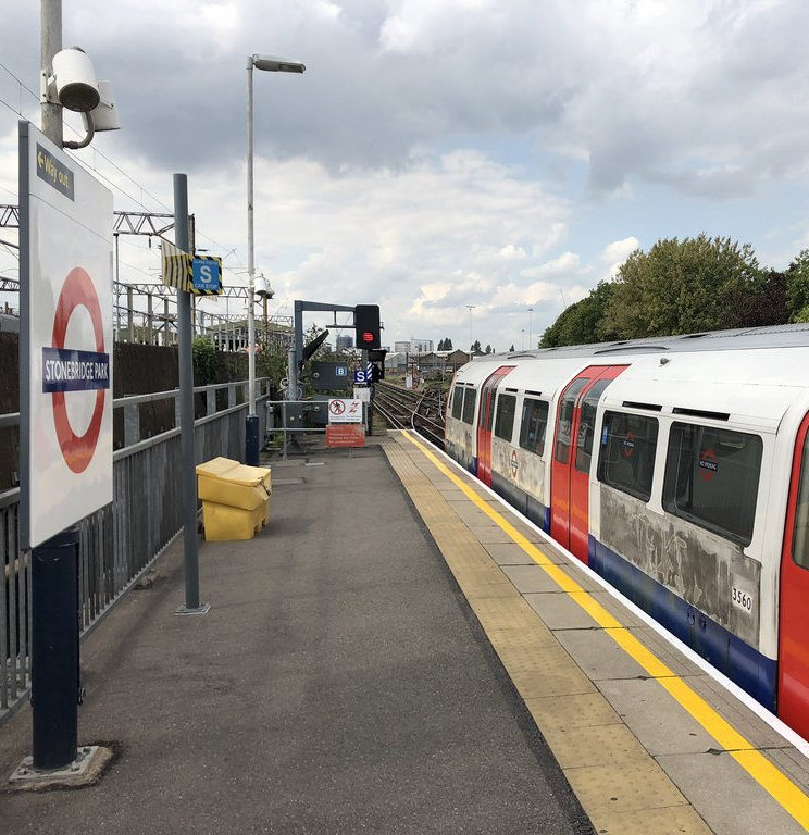 43703326714 75ee50e47f b The 20 Worst Tube Stations In London