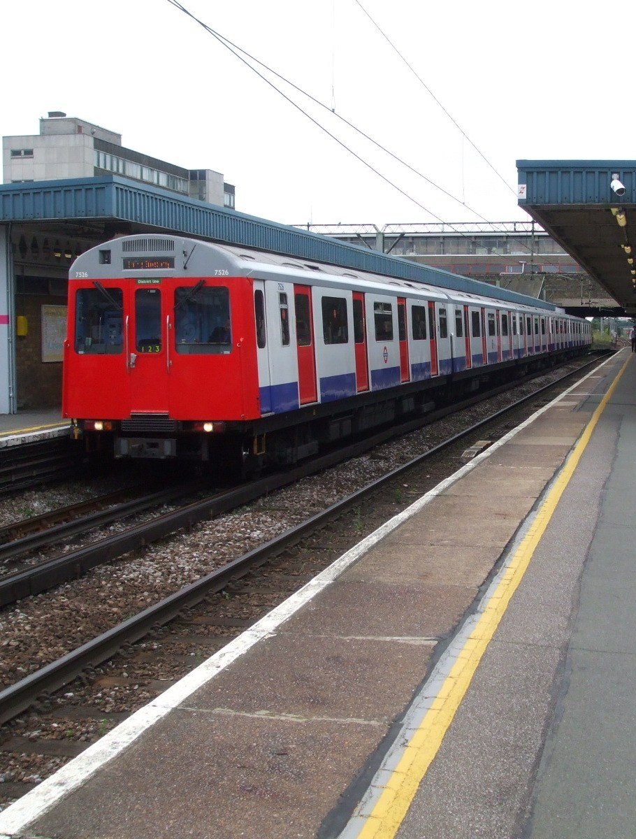 Barking station platform 6 and 7 look east The 20 Worst Tube Stations In London