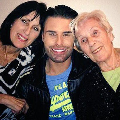 Cc296dJWAAQjVnZ 10 Things You Didn't Know About Rylan Clark-Neal