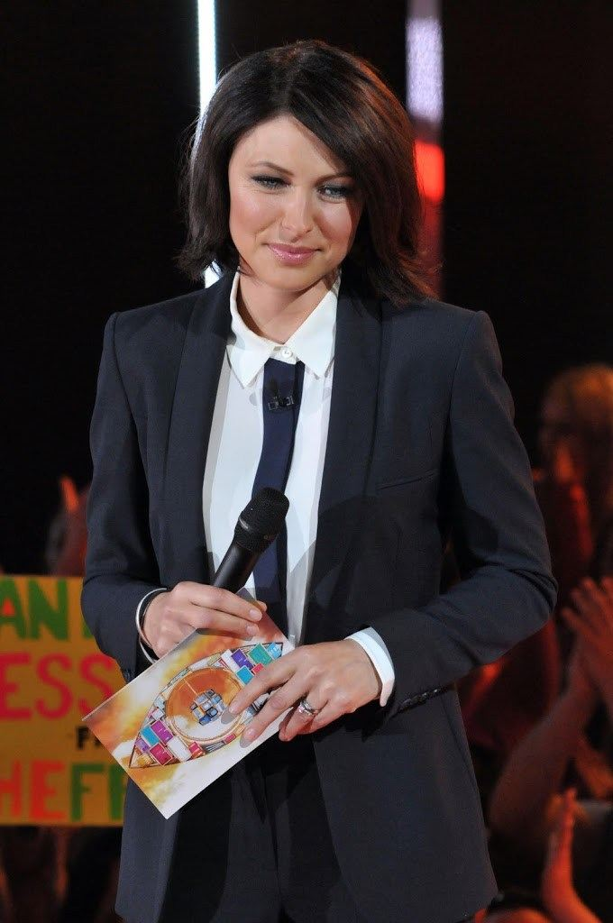 Emma Willis big brother eviction suit tie heels 10 Things You Didn't Know About Emma Willis