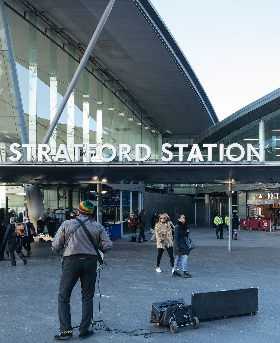 Project 952 and 1595 Stratford Station 0000s 0004s 0004 952 N49753 high The 20 Worst Tube Stations In London