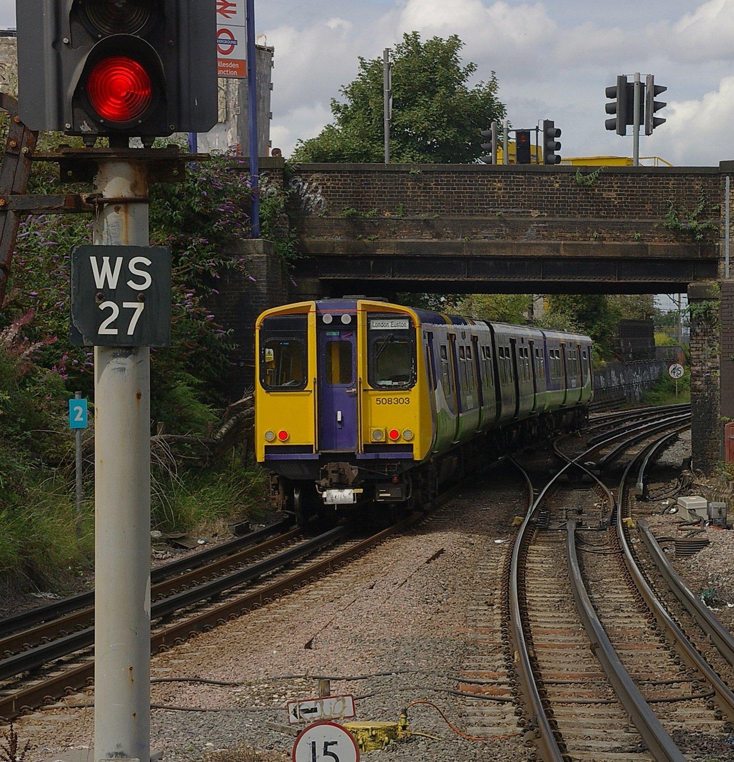 Willesden Junction station MMB 04 508303 The 20 Worst Tube Stations In London