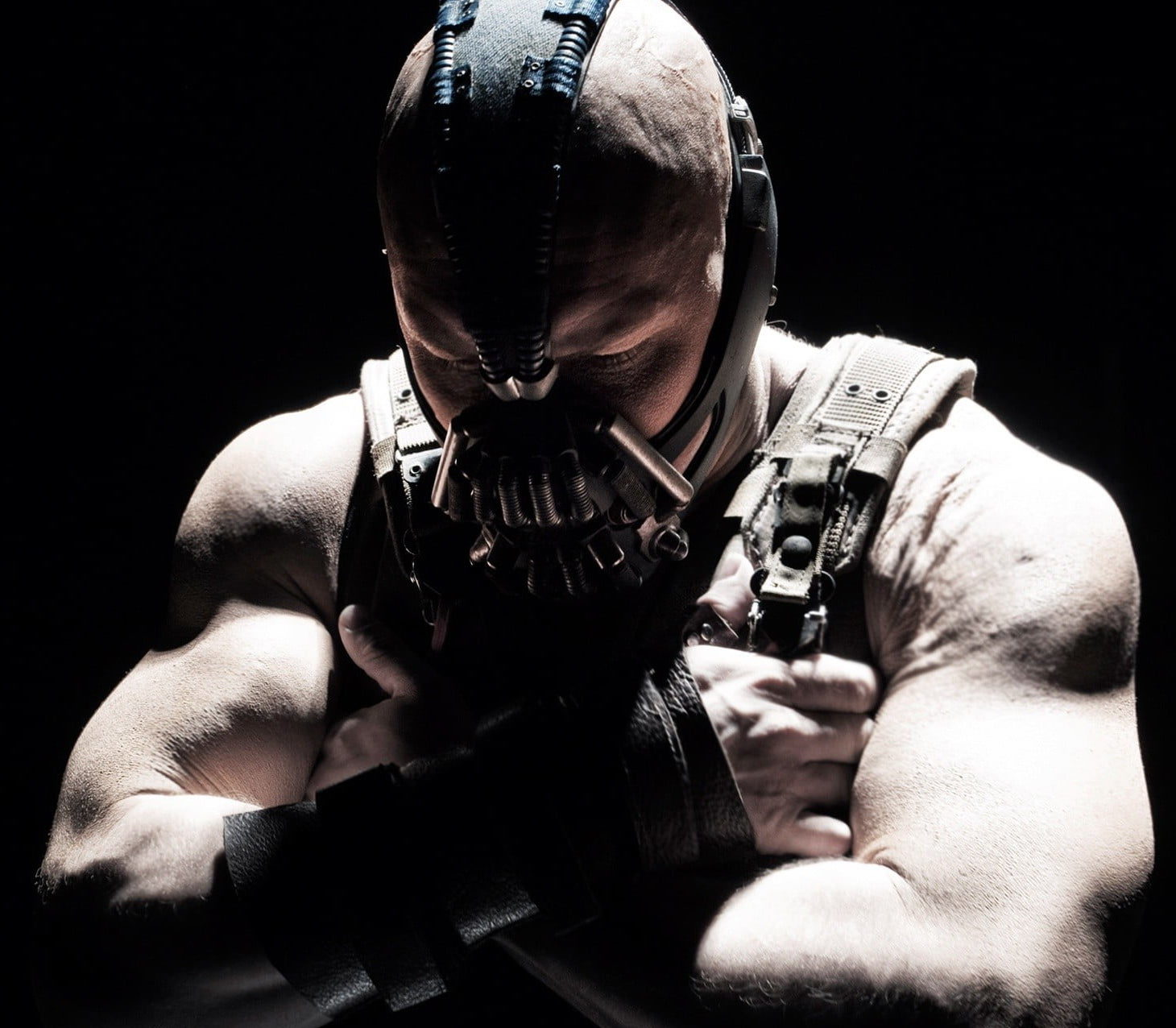 bane tom hardy the dark knight rises mortal wallpaper e1611658599575 40 Things You Didn't Know About Tom Hardy