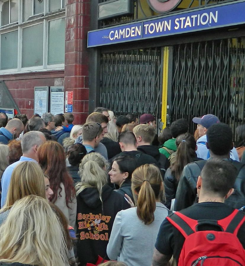 camden overcrowding1 The 20 Worst Tube Stations In London