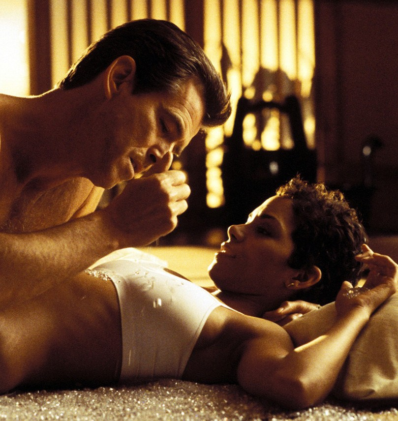dieanotherday 20 Film Scenes That Nearly Killed The Actor