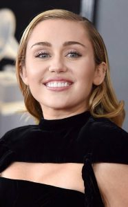 15 6 25 Gross Things You Don't Know About These Celebs