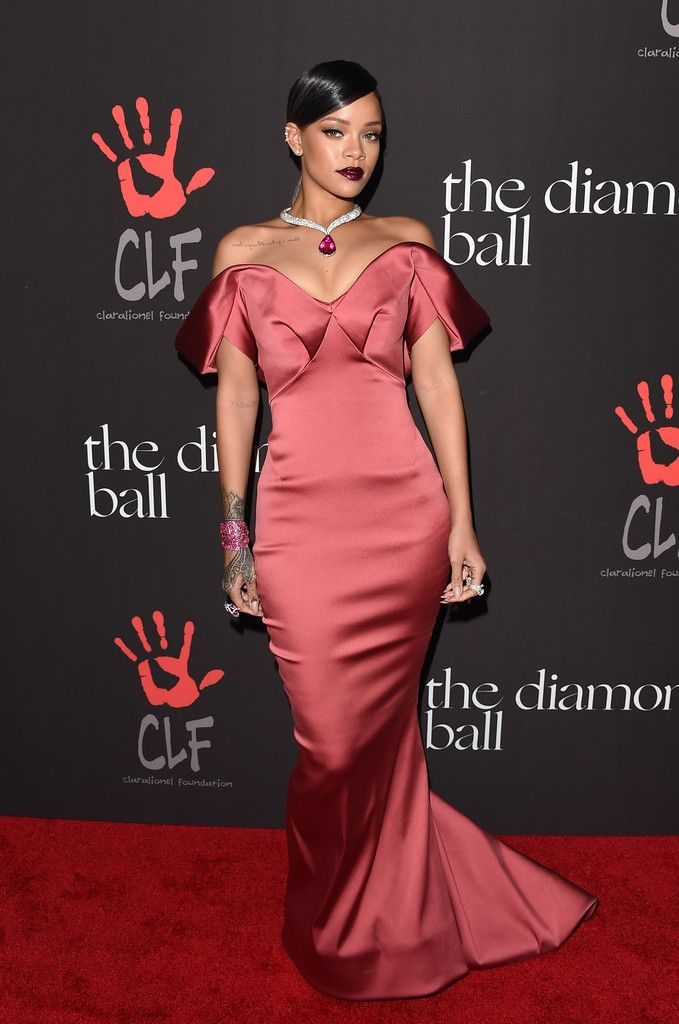 259278045cd5a9b2b2fcf055e44558be 20 Things You Didn't Know About Rihanna