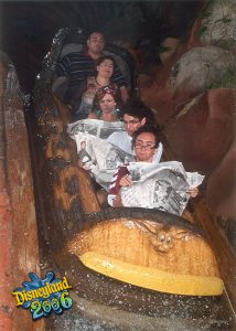 5a688fe3c21b5 GdSUD 605 30+ Of The Most Hilarious Rollercoaster Photos Of All Time