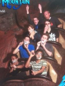 5a68a493c14fa rMYn59l 605 30+ Of The Most Hilarious Rollercoaster Photos Of All Time