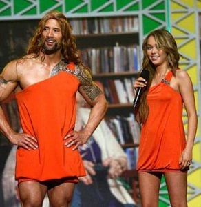 AUCTUS DIGITAL THE ROCK MILEY 10 Photos The Rock Doesn't Want You To See