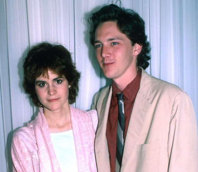 Ally Sheedy and Andrew McCarthy 788x1200 1 e1617177670195 20 Facts About St Elmo's Fire That Are Absolute Scorchers