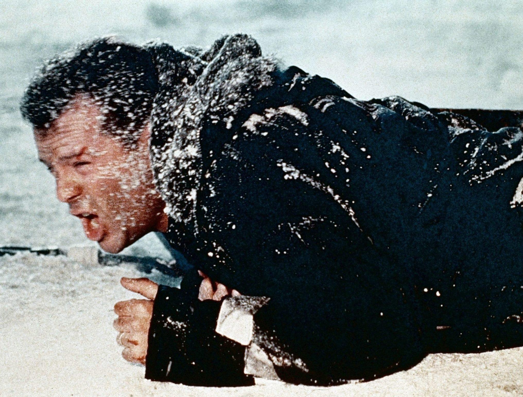 Die Hard 2 Die Harder Bruce Willis e1631023978947 10 Explosive Facts You Never Knew About Die Hard 2: Die Harder