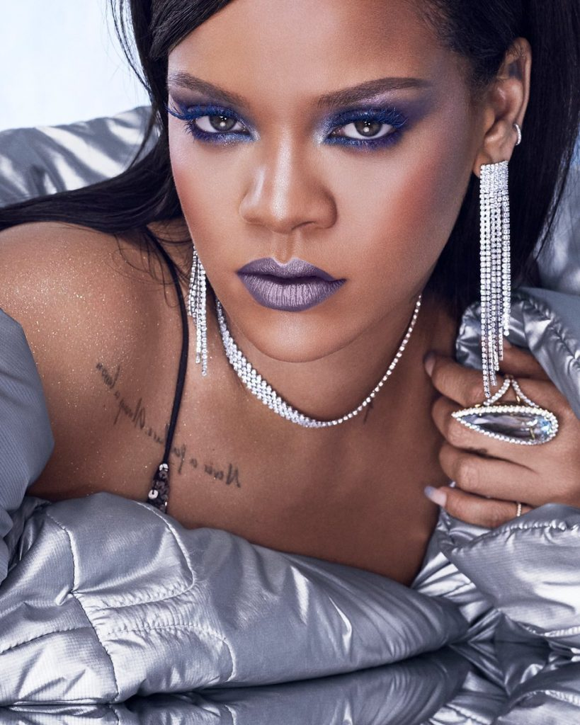 DowTJPwU8AAqO4a 20 Things You Didn't Know About Rihanna