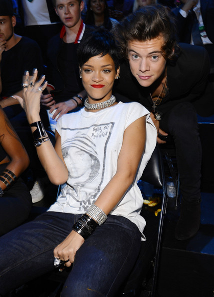 HarryStylesAudienceMTVVideoMusicAwards9SmlZPe0Nq4l 20 Things You Didn't Know About Rihanna