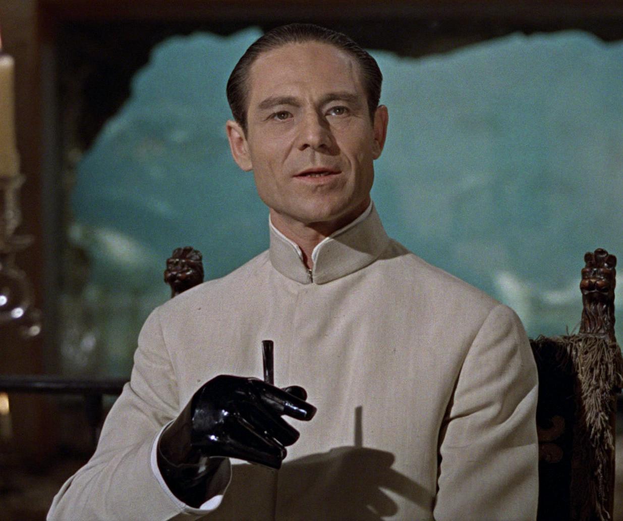 MV5BMTVlNTNkZmUtZjlmZC00OTkwLTk3ODMtMWQ2YjZkYWFiOGU2L2ltYWdlL2ltYWdlXkEyXkFqcGdeQXVyMjk3NTUyOTc@. V1 30 Things You Probably Didn't Know About The James Bond Films