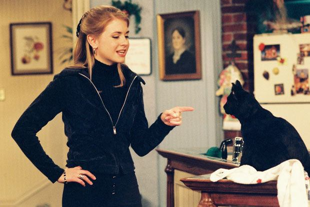 Sabrina and Salem 331628 8 Things You Didn't Know About Sabrina the Teenage Witch