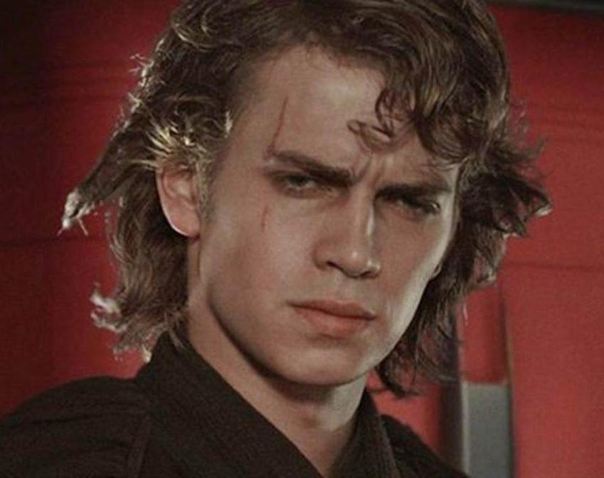 Today Hayden Christensen turns 40 more than Anakin Skywalker in e1626777265694 23 Celebrities Who Now Have 'Normal' Jobs