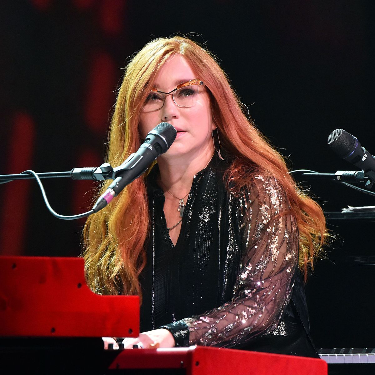 bc985e0dd2d9b6c5285c46a38de7e4791f 05 tori amos.rsquare.w1200 20 Things You Might Not Have Realised About Thelma & Louise