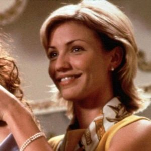 cameron di Top 12 Julia Roberts Movies Of The 80's And 90's