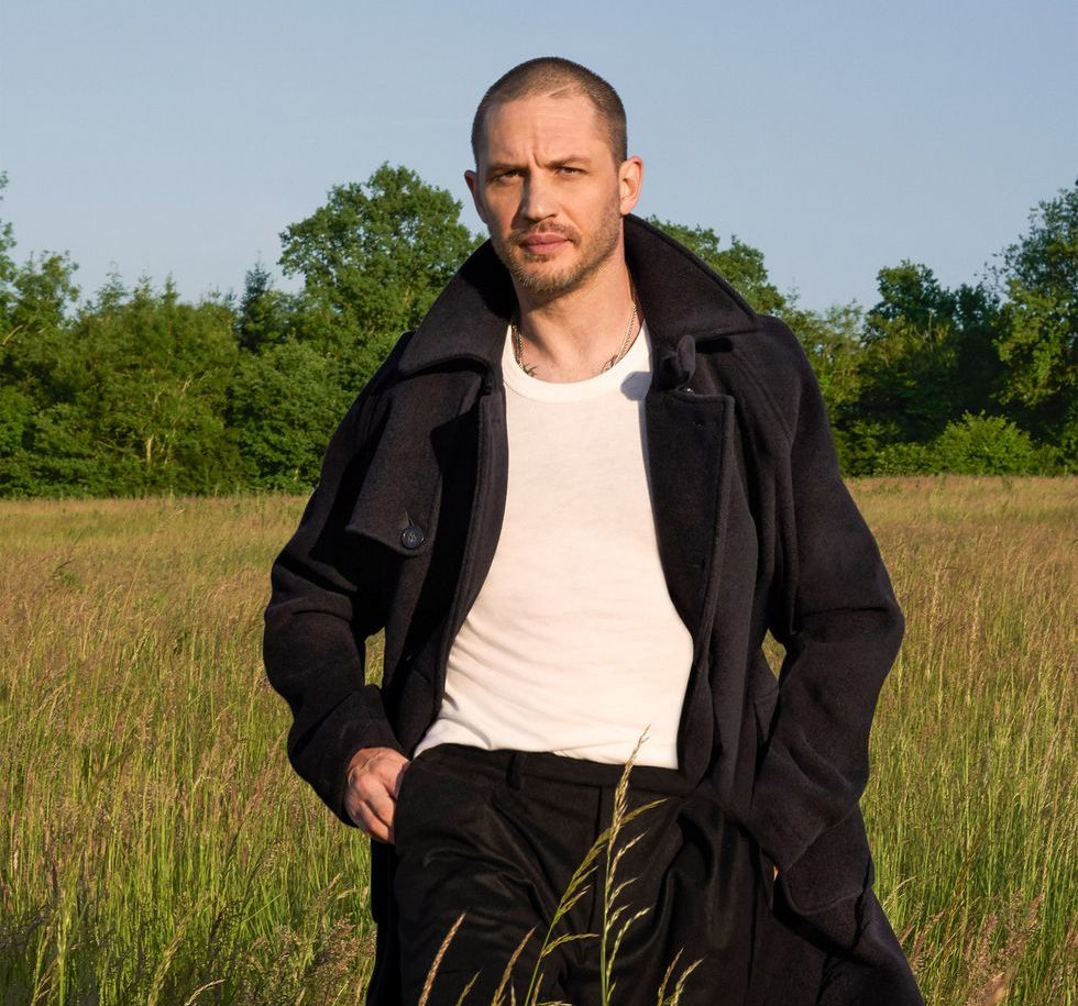 esq090118cover001 1533305691 e1611660580245 40 Things You Didn't Know About Tom Hardy