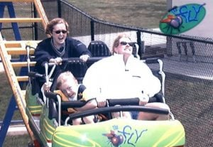 funny roller coaster photos 35 5a6888d9470d1 605 30+ Of The Most Hilarious Rollercoaster Photos Of All Time