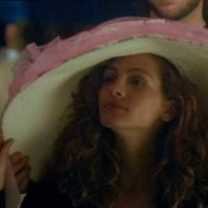 jr hat Top 12 Julia Roberts Movies Of The 80's And 90's