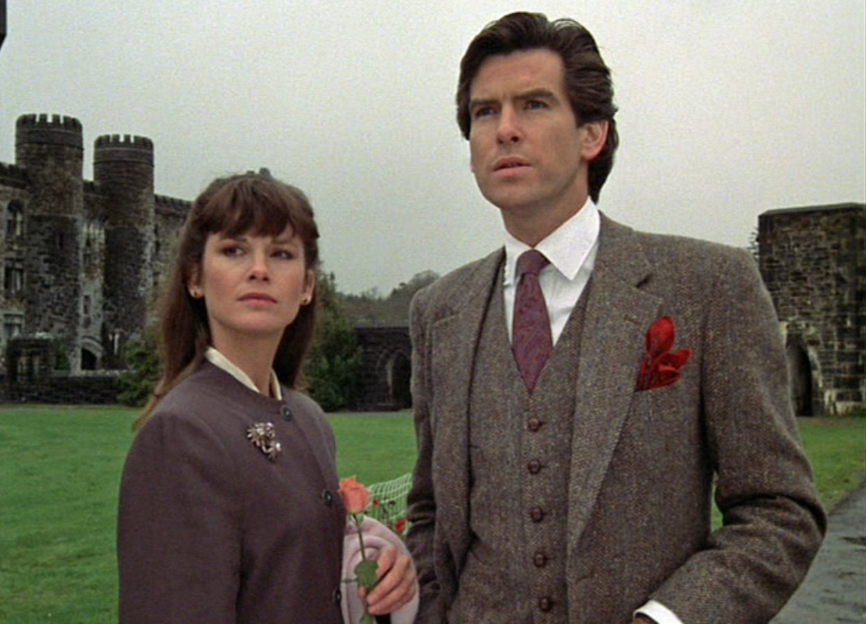 remington steele brown tweed suit Remington Steele: 10 Facts About The Revolutionary Detective Show
