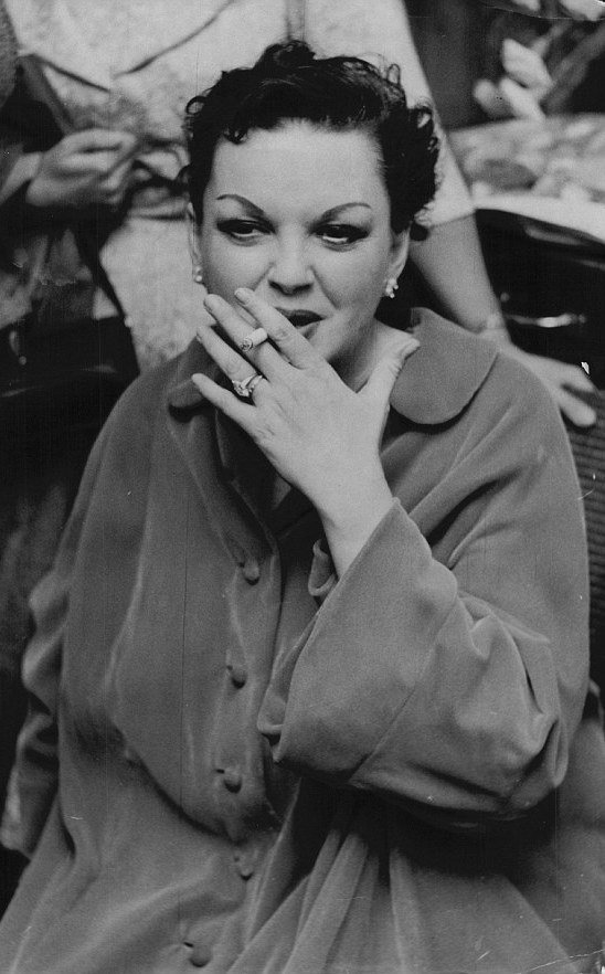 0000545500000CB2 3112964 image a 16 1433544938679 The Tragic Life And Death Of Judy Garland